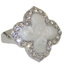 Enamel Desinger Ring White Gold Mother of Pearl