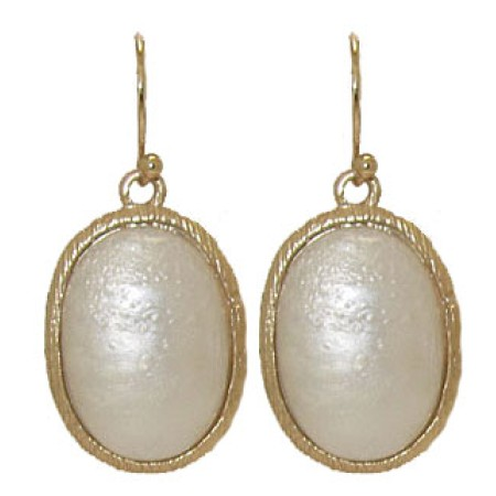 Oval Mother of Pearl set in Mate Gold