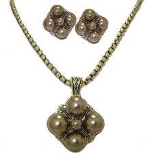 Wholesale High Fashion Pearl Earring Necklace Sets