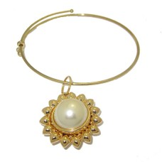 Expandable Bangle with Large Yellow Flower